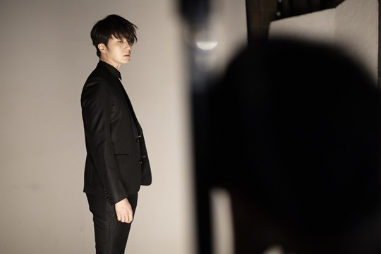 2014 12 Jung Il-woo's Season Greetings for 2015. 16.jpg