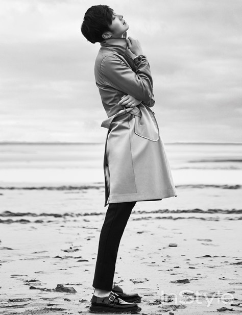 2015 3 Jung Il-woo at Mont Saint Michel for Style magazine Photo Shoot 5