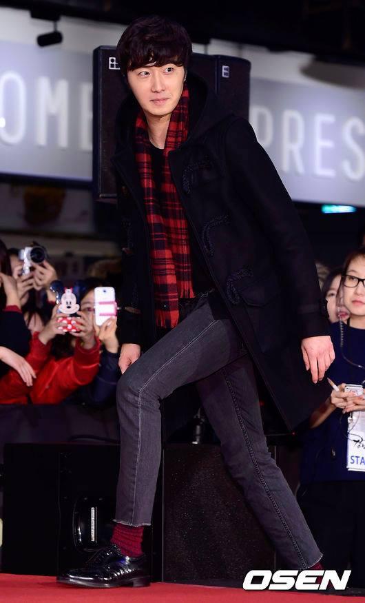 2015 1 20 Jung Il-woo attends VIP Premiere of Gangnam 1970. 13