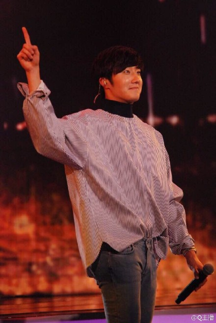 2015 2 1 Jung Il-woo at the Beijing Fan Meeting. 22