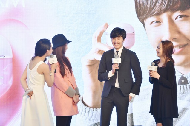 2015 3 20 Jung Il-woo at a Biotherm Event in Beijing, China. 43