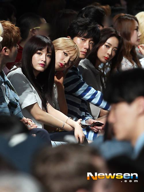 2015 3 21 Jung Il-woo at the Seoul Fashion Week wearing a Hong Hye-jin Design. 29