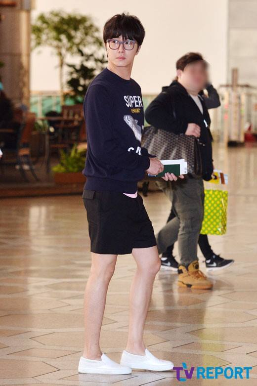 2015 4 25 Jung Il-woo in his Fan Meeting Rainbo-Woo in Tokyo, Japan. Arriving at the airport. 4