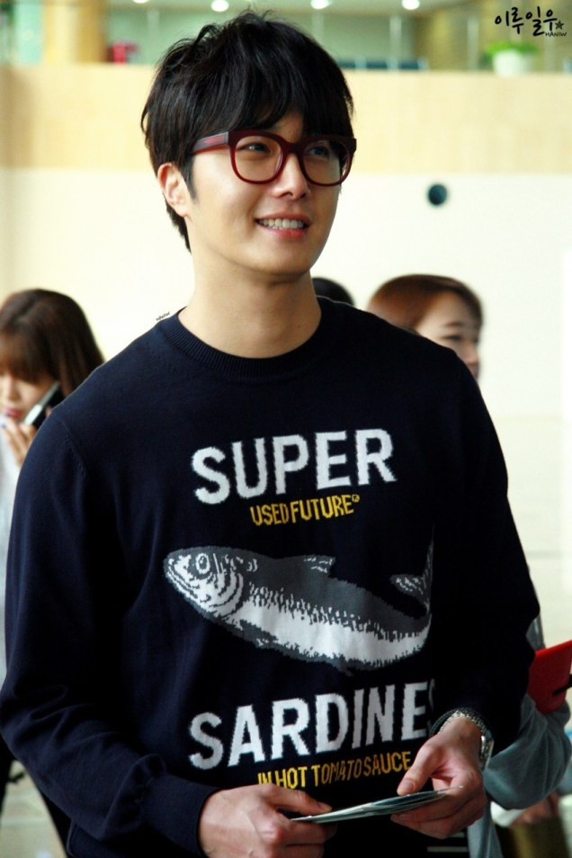 2015 4 25 Jung Il-woo in his Fan Meeting Rainbo-Woo in Tokyo, Japan. Arriving at the airport. 7