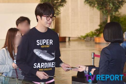 2015 4 25 Jung Il-woo in his Fan Meeting Rainbo-Woo in Tokyo, Japan. Arriving at the airport. 9