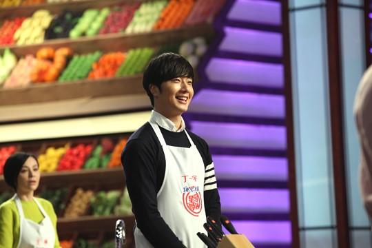 """2015 4 8 Jung Il-woo at China's Jiangsu Satellite TV """"Star Chef"""" 11.jpg"""