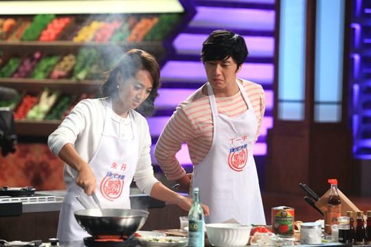 """2015 4 8 Jung Il-woo at China's Jiangsu Satellite TV """"Star Chef"""" 27.jpg"""