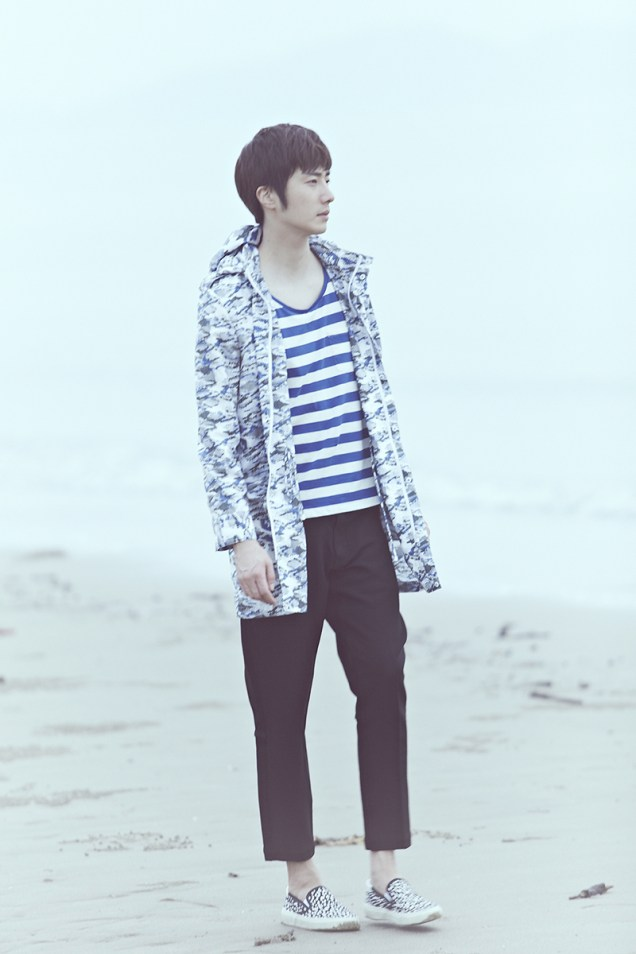 2015 4 Jung Il woo in a Blue Green Photo Shoot clearer than a blue sky. 1