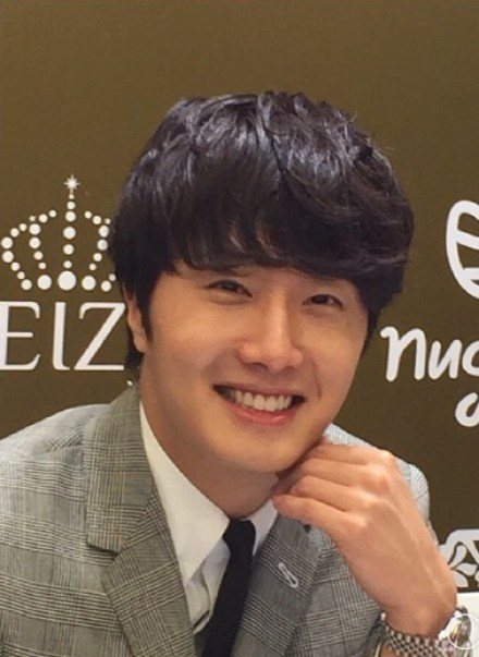 2015 5 19 Jung Il Woo attends the '2015 China Shanghai Cosmetics and Beauty Expo' 22