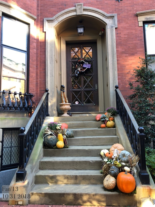 2018 10 31 Halloween at Beacon Hill in Boston, MA. By Fan 13 27