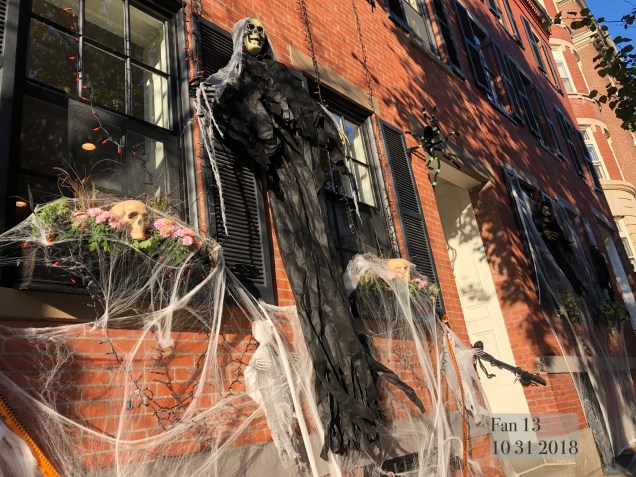 2018 10 31 Halloween at Beacon Hill in Boston, MA. By Fan 13 31