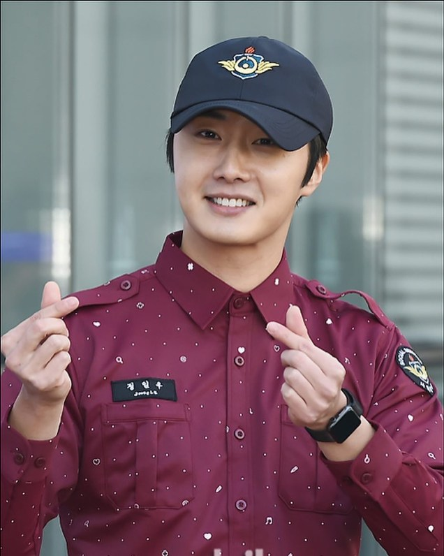 November 30, 2018 Jung il-woo officially completes his Civic:Military duty! 1
