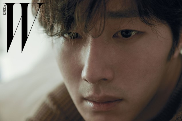 2015 11 Jung Il-woo for W Korea Magazine. 5