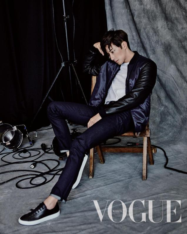 2015 9 Jung Il-woo is a Man in Autumn for Vogue Magazine. 1