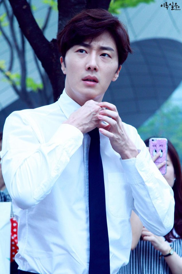 2015 Jung Il-woo in High End Crush BTS Cr. SOHU TV18