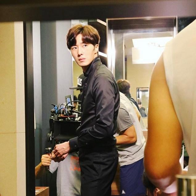 2015 Jung Il-woo in High End Crush BTS Cr. jungilwoo.com 56