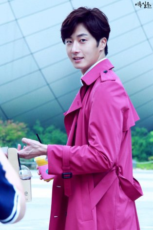 2015 Jung Il-woo in High End Crush BTS Cr. SOHU TV8