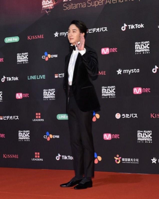 2018 12 12 Jung Il-woo at the MAMA Awards. Cr. Mnet Edits Fan1313