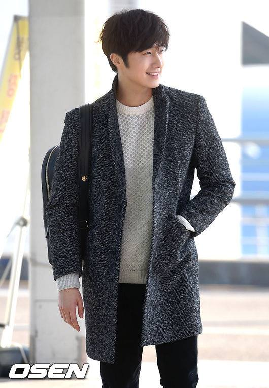 2016 1 9 jung il-woo in the airport going to shanghai for the smile cup part 1 5