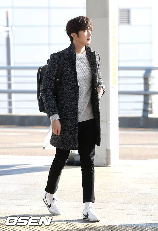 2016 1 9 jung il-woo in the airport going to shanghai for the smile cup part 2 5
