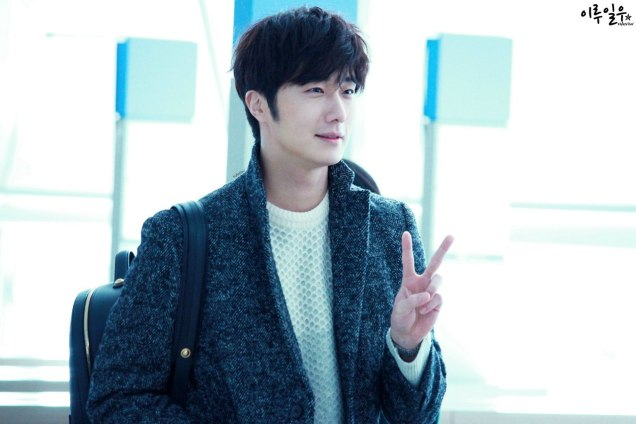 2016 1 9 jung il-woo in the airport going to shanghai for the smile cup part 3 4