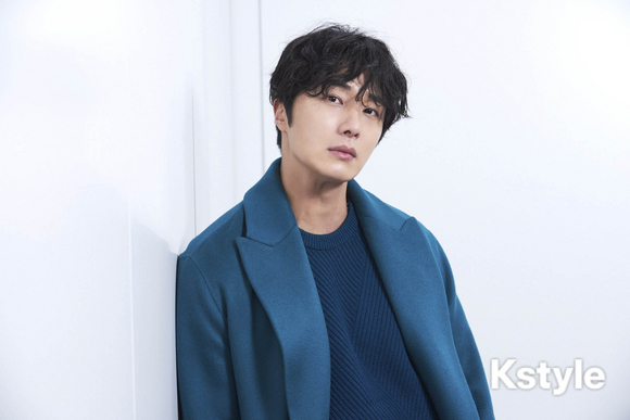 2019 1 9 Jung Il-woo in KStyle Magazine.  12.jpg
