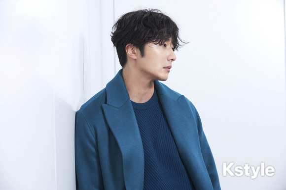 2019 1 9 Jung Il-woo in KStyle Magazine.  5.jpg