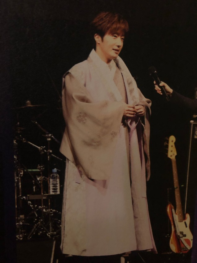 2016 4 15 Jung Il-woo at the 10th Thank You Fan Meeting in Japan. Cr. Taken by Fan 13 from his 10th Anniversary Japanese Book. 3