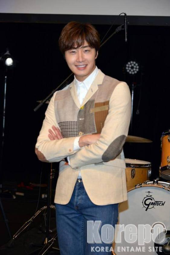 2016 4 15 Jung Il-woo at the Press Conference for his 10th Thank You Fan Meeting in Japan. 1