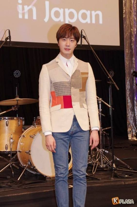 2016 4 15 Jung Il-woo at the Press Conference for his 10th Thank You Fan Meeting in Japan. 5