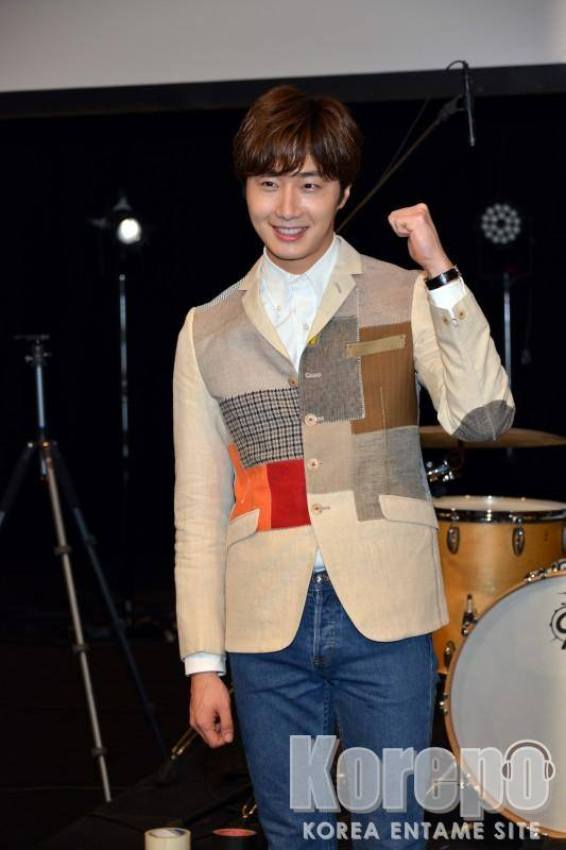 2016 4 15 Jung Il-woo at the Press Conference for his 10th Thank You Fan Meeting in Japan. 8