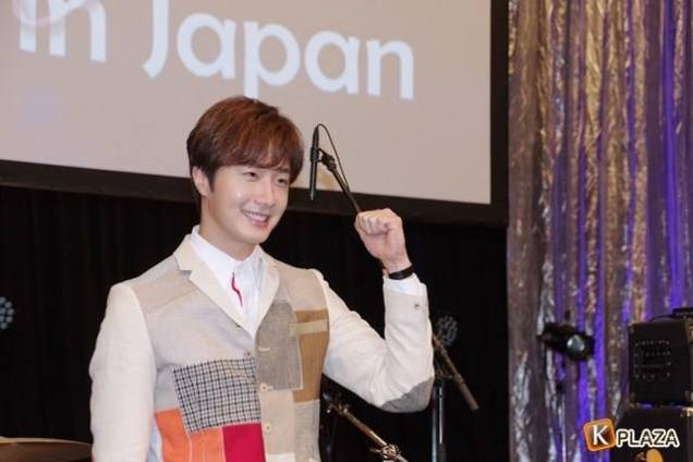 2016 4 15 Jung Il-woo at the Press Conference for his 10th Thank You Fan Meeting in Japan. 9