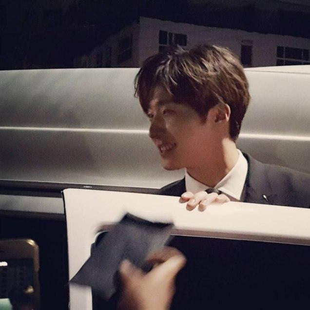 2016 5 21 Jung Il-woo at the Asian Model Awards. Leaving. Fan Taken. 2