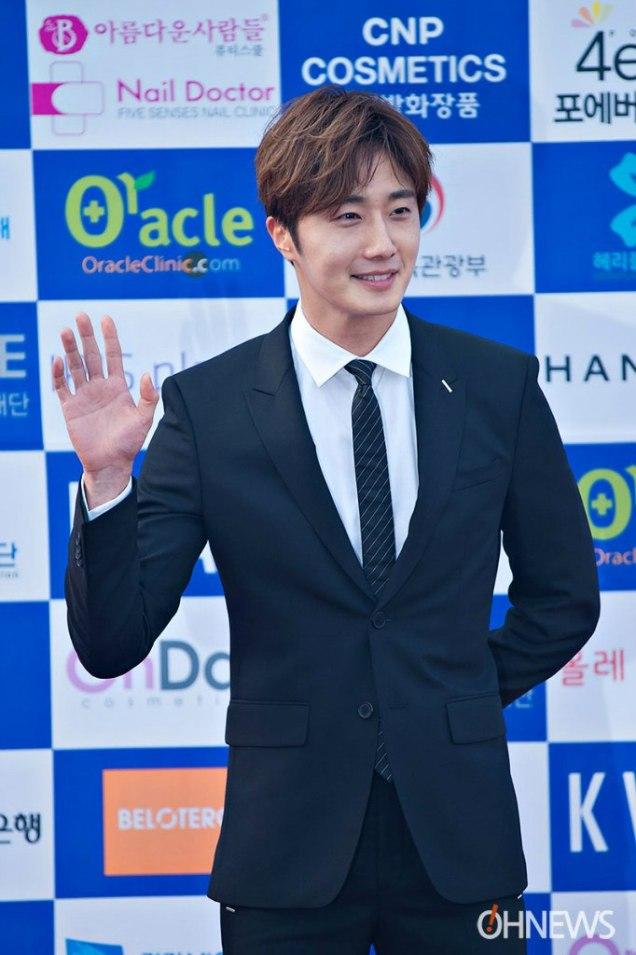 2016 5 21 Jung Il-woo at the Asian Model Awards. Photo Pose. 11