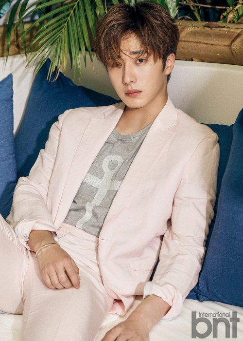 2016 5 22 Jung Il-woo in a BNT Pictorial. Cr BNT 10