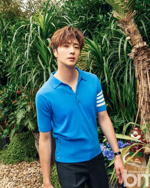 2016 5 22 Jung Il-woo in a BNT Pictorial. Cr BNT 18