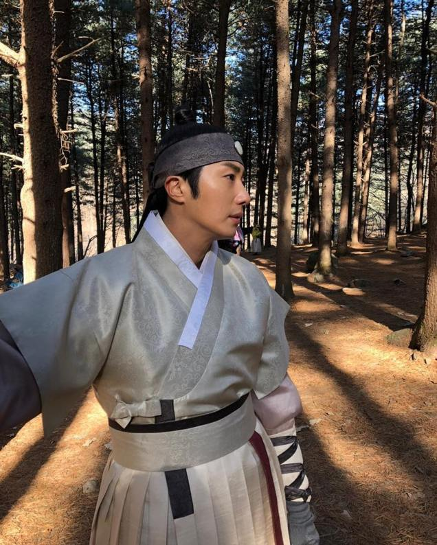 2019 2 26 Jung Il-woo in Haechi Episode 6 (11,12) Behind the Scenes. Cr. SBS 3