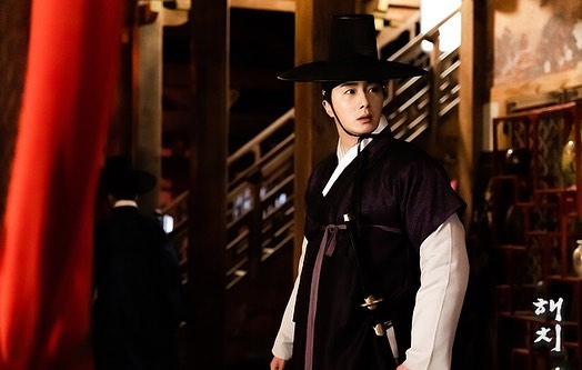 2019 3 11 Jung Il-woo in Haechi Episode 9. Behind the Scenes. 5.jpg