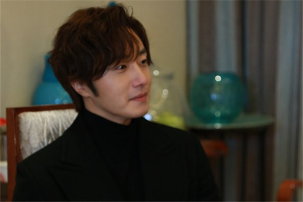 2015 10 Jung Il-woo in an Interview of Beautiful Woman : Beauty Dream. 7