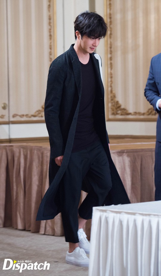 2016 8 12 Jung Il-woo for Starcast Naver. Cinderella and the Four Knights Production Conference. 21.jpg