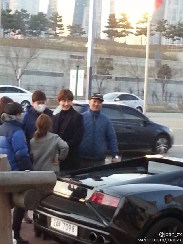 2016 Jung Il-woo in Cinderella and the Four Knights. Behind the Scenes. Fans. Car take. Cr. tvN 5