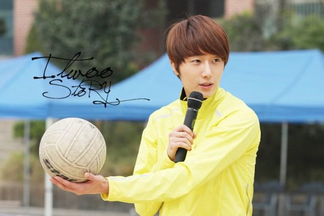 2011 10 09 Jung II-woo Athletic Fan Meeting 00082.jpg