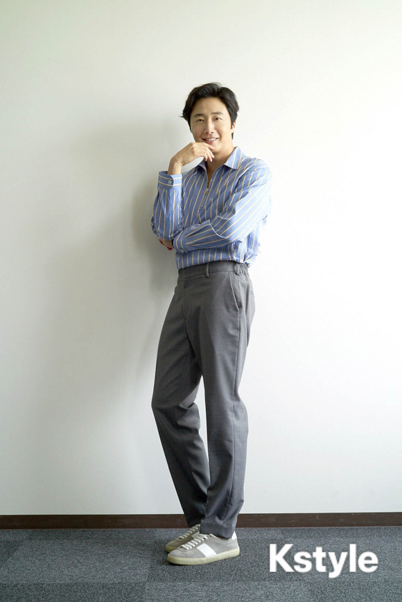 Jung Il-woo for K-Style Magazine, Japan. 10.jpg