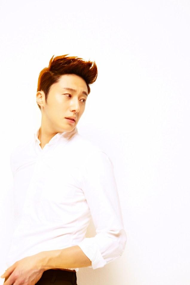 2013 10 Jung II-woo Rainbow Photo Shoot Part 5 Aqua Man00008