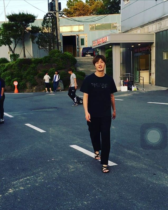 2016 9 23. Jung Il-woo in Cinderella and the Four Knights. Cr. Fans, on photos. Black Shirt 8