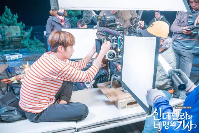 Jung Il-woo in Cinderella and the Four Knights. Episode 8. Cr. tvN Website Photos. Filming drunk part. PNG4