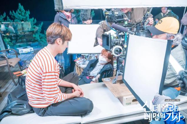 Jung Il-woo in Cinderella and the Four Knights. Episode 8. Cr. tvN Website Photos. Filming drunk part. PNG7