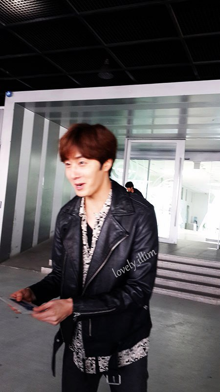 2016 5 Jung Il-woo in Cinderella and the Four Knights Episode 1. Fan Taken. Cr. On Photo. 45