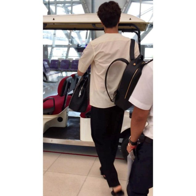 2016 6 5 Jung Il-woo arrives to the airport in Thailand for the filming of Love and Lies. 26