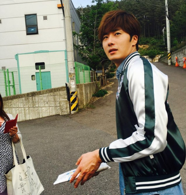 2016 Jung Il-woo in Cinderella and the Four Knights Behind the Scenes. Cr. Fan Taken. 1